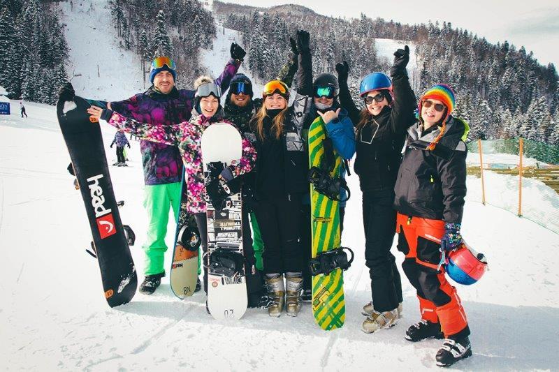 Ekipa na skijanju