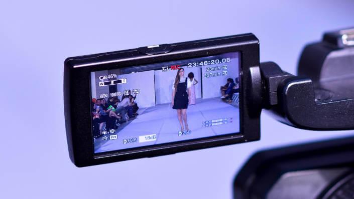 Trình diễn thời trang từ góc nhìn camera